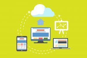 diferentes dispositivos subiendo en una infografía de la nube